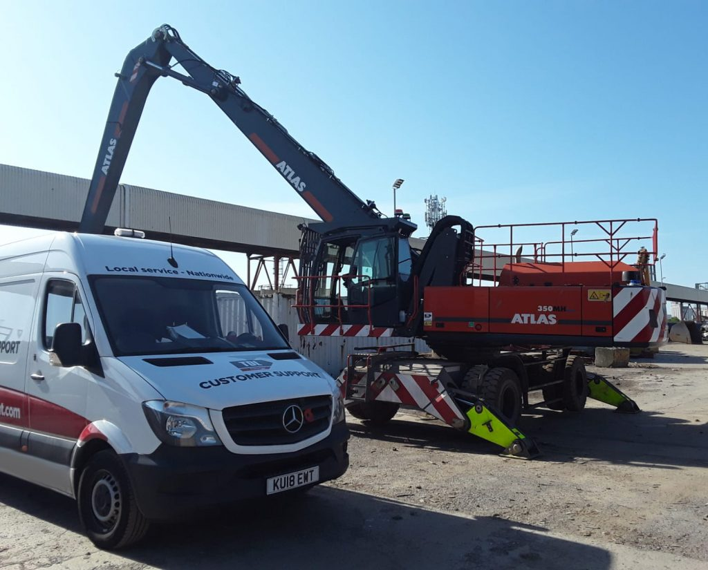 TDL Equipment service van servicing an Atlas material handler on site