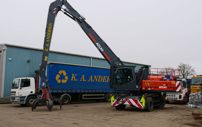 atlas 350MH material handler with KA Anderson truck